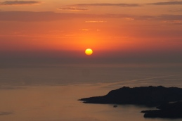 Coucher de soleil sur La Caldera, Santorini, Grèce